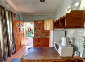 Self Catering Unit Kitchen - Kloof B&B