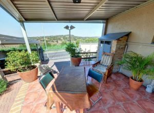 self-catering-unit-patio-01