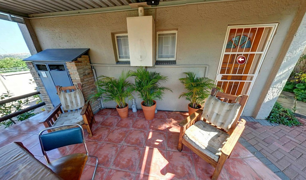 Self Catering Unit Patio - Kloof B&B