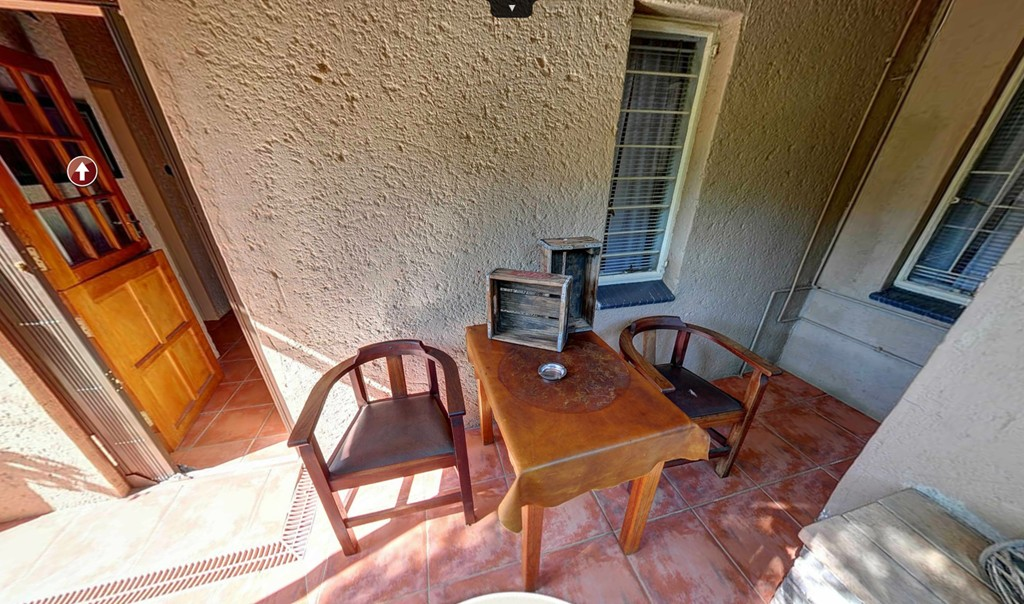 Twin Room Patio - Kloof B&B